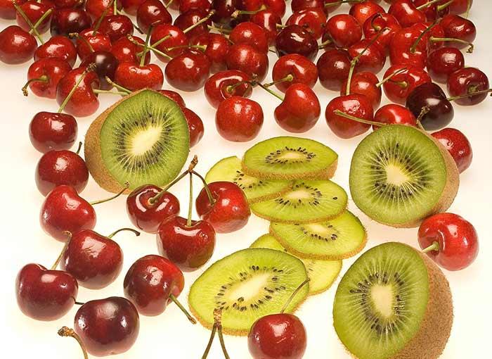Kiwi wiśnie i witaminy